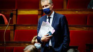 Guillaume Garot lors d'une session de question au gouvernement dans l'hémicycle de l'Assemblée nationale, 13 juillet 2021. (THOMAS PADILLAT / MAXPPP)