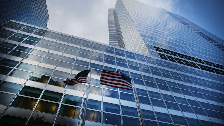 La façade anonyme du siège de la banque d'affaires américaine Goldman Sachs, le 16 janvier 2015, à New York (Etats-Unis). (SPENCER PLATT / GETTY IMAGES NORTH AMERICA / AFP)