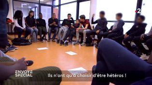 Contre l'homophobie, des actions de prévention en collège (ENVOYÉ SPÉCIAL  / FRANCE 2)