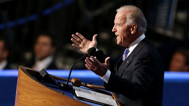 Le vice-président Joe Biden lors de son discours pour la convention démocrate,le 6 septembre 2012 à Charlotte (Caroline du Nord). (STREETER LECKA / GETTY IMAGES NORTH AMERICA / AFP)
