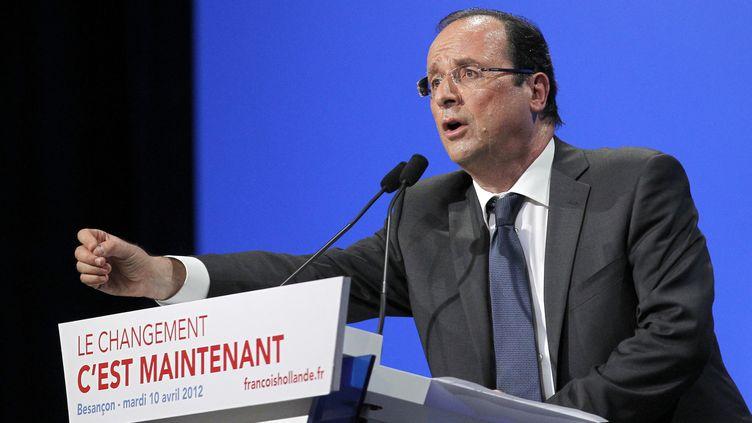 François Hollande lors d'un meeting à Besançon (Doubs), le 10 avril 2012. (PATRICK KOVARIK / AFP)