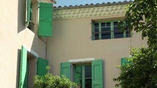 C'est à Manosque (Alpes-de-Haute-Provence), où l'écrivain Jean Giono a passé toute sa vie. Il a vécu près de 40 dans une bâtisse sur les hauteurs de la ville. (FRANCE 3)