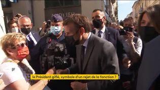 Emmanuel macron dans la Drôme peu après avoir reçu une gifle (FRANCEINFO)
