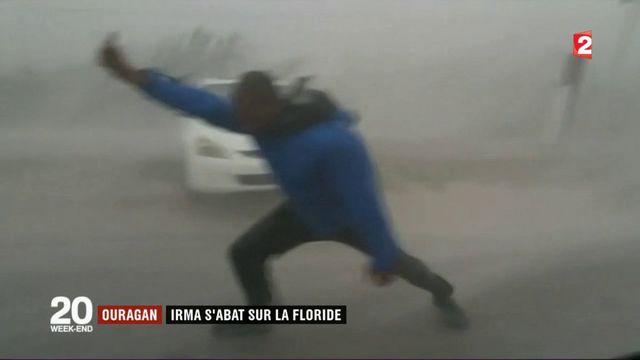 Grue désarticulée, toits arrachés et rues inondées : Irma balaye la Floride