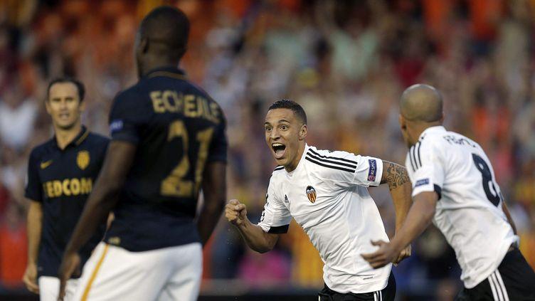La joie du joueur de Valence Rodrigo Moreno devant des Monégasques dépités (MANUEL BRUQUE / EFE)