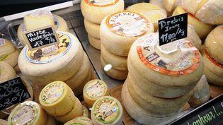 45 fromages français sont classés en AOP (appellation d'origine protégée). (GAIZKA IROZ / AFP)
