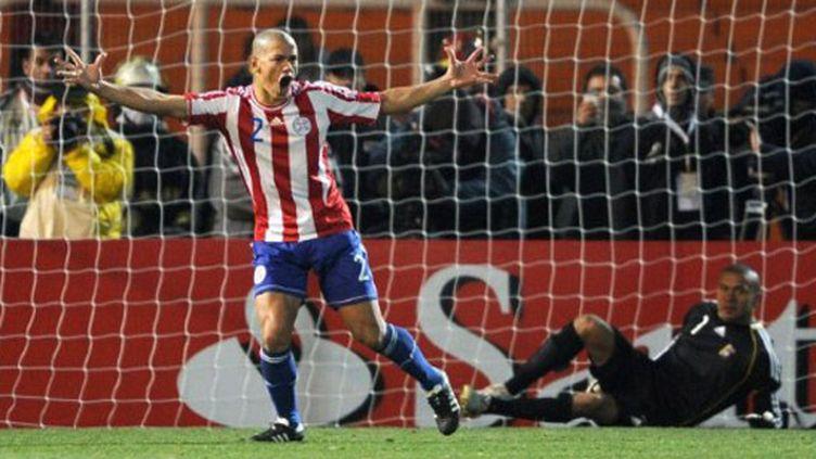 Le bonheur du Paraguayen Dario Veron après son tir au but vainqueur contre le Venezuela