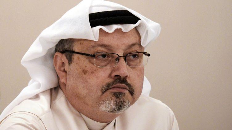 """Jamal Khashoggi, journaliste saoudien et éditorialiste du """"Washington Post"""", le 15 décembre 2014. (MOHAMMED AL-SHAIKH / AFP)"""