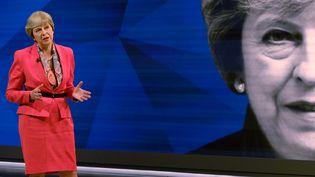 La première ministre britanniqueTheresa May participe à un débat télévisé le 29 mai 2017 à Londres, à dix jours des législatives. (STEFAN ROUSSEAU / POOL / AFP)