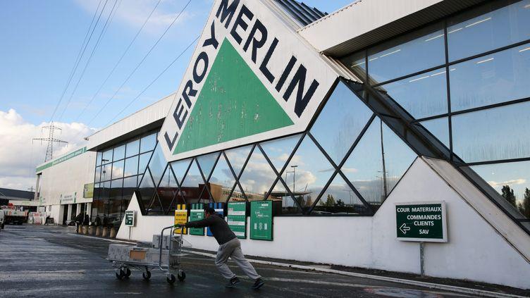 Un magasin Leroy Merlin à Genevilliers (Hauts-de-Seine),le 29 octobre 2013. (ARNAUD JOURNOIS / MAXPPP)