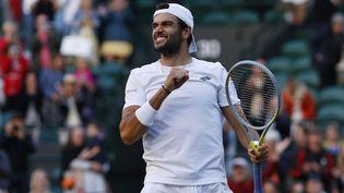 Matteo Berrettini lors des quarts de finale masculin de Wimbledon 2021à Londres, le 7 juillet 2021. (ADRIAN DENNIS / AFP)