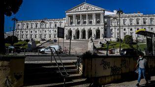 Le Parlement portugais, à Lisbonne, le 24 novembre 2020. (PATRICIA DE MELO MOREIRA / AFP)