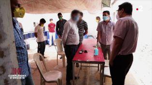 Coronavirus : en Inde, les autorités font la chasse au gel hydroalcoolique frelaté (COMPLÉMENT D'ENQUÊTE/FRANCE 2)