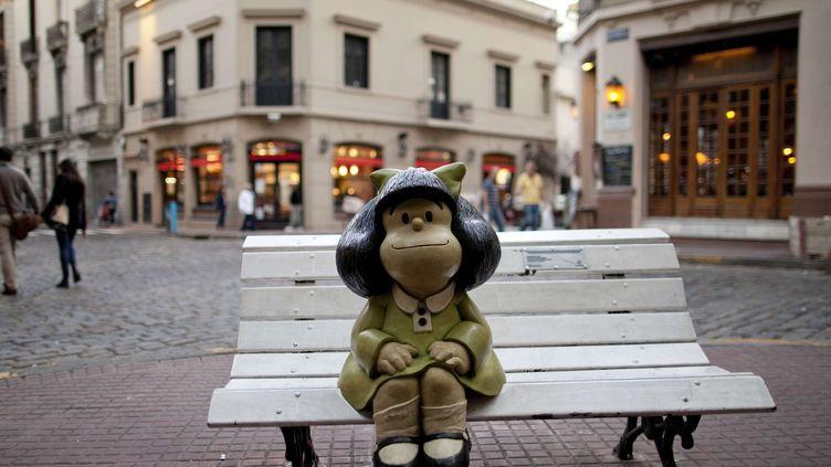 Statue de Mafalda à Buenos Aires, avril 2014.  (Natacha Pisarenko/AP/SIPA)