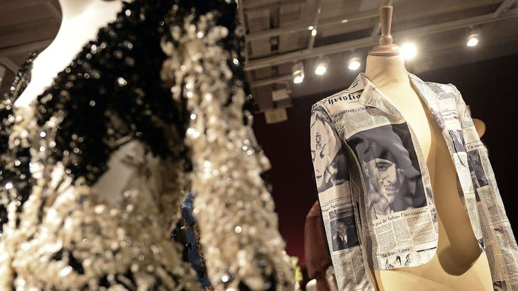 Le créateur Alexis Mabille met aux enchères 120 robes et accessoires Dior à l'hôtel des Ventes de Lyon  (PHOTOPQR/LE PROGRES)