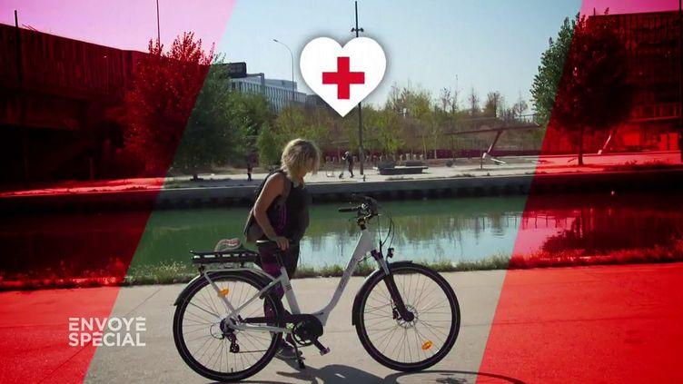 """Le vélo électrique est-il bon pour la santé ? """"Envoyé spécial"""" a fait le test (ENVOYÉ SPÉCIAL  / FRANCE 2)"""