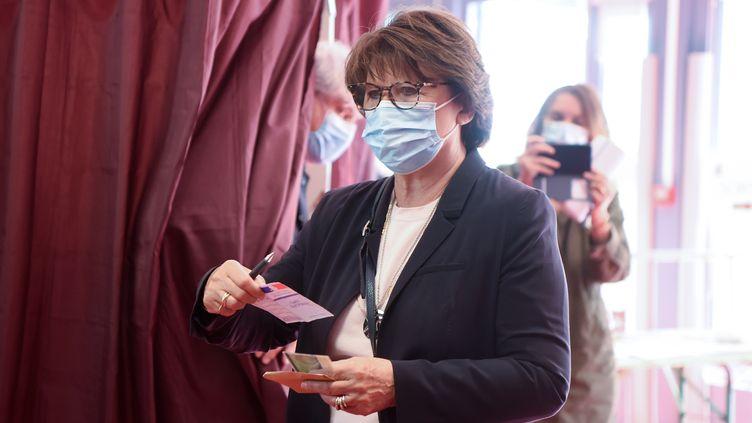 La maire sortante de Lille, Martine Aubry, lors du second tour des élections municipales le dimanche 28 juin 2020. (FRANCOIS LO PRESTI / AFP)