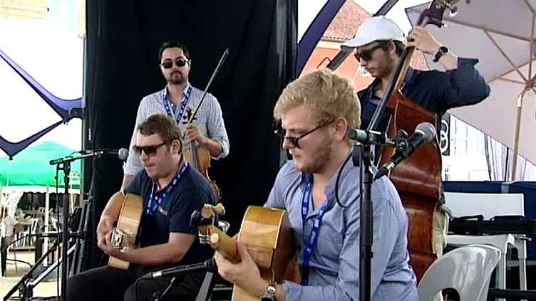 """""""Corsican Trio"""" lors de leur concert à Montesqiou.  (capture d'écran France 3 / Culturebox)"""