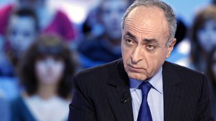 Ziad Takieddinesur Canal+, le 17 novembre 2011. (THOMAS SAMSON / AFP)