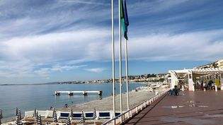 La promenade des Anglais à Nice dans les Alpes-Maritimes est très peu fréquentée par les touristes pendant l'arrière saison, 23 septembre 2020. (NOEMIE BONNIN / RADIO FRANCE)