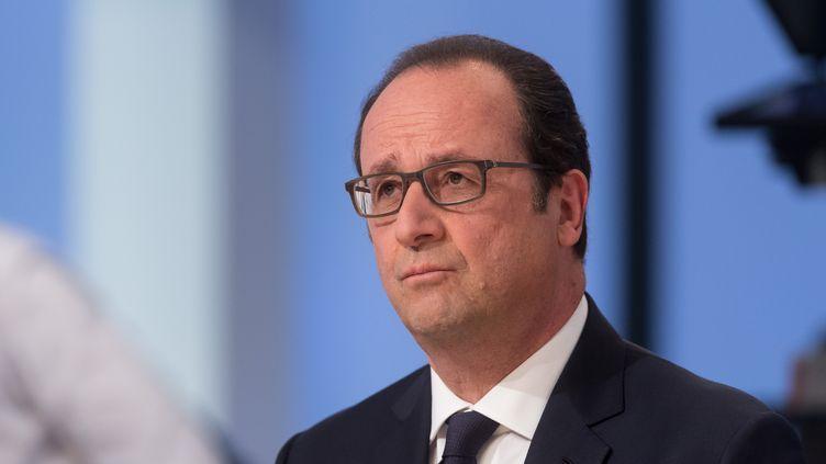 François Hollande sur un plateau de télévision, le 19 avril 2015. (WITT / SIPA)