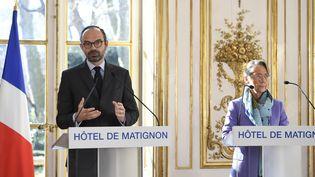 Le Premier ministre Edouard Philippe et la ministre des Transports Elisabeth Borne, le 26 février 2018 à Matignon. (ERIC FEFERBERG / AFP)
