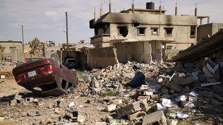 Janvier 2017 : destructions dans le sud de Benghazi en Libye aprèsque dessoldats de l'Armée nationale libyenne(armée du maréchal Haftar) ontrepris une zone jusque là tenue pardes combattants de l'EI (groupe Etat islamique). (ABDULLAH DOMA / AFP)