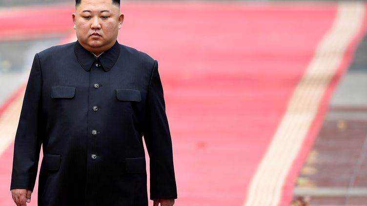Le leader nord-coréen Kim Jong-un lors d'une cérémonie de bienvenue au palais présidentiel à Hanoï (Vietnam), en marge de son sommet avec Donald Trump, le 1er mars 2019. (REUTERS)
