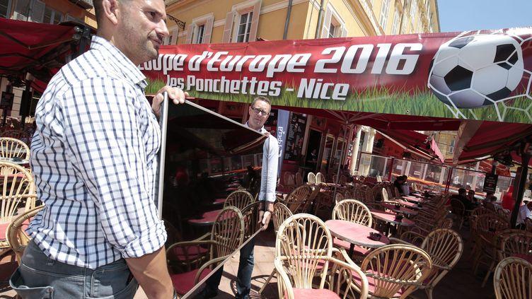 Illustration retransmission des matchs de l'euro dans les bars et les terrasses de Nice  (FRANCK FERNANDES / MAXPPP)