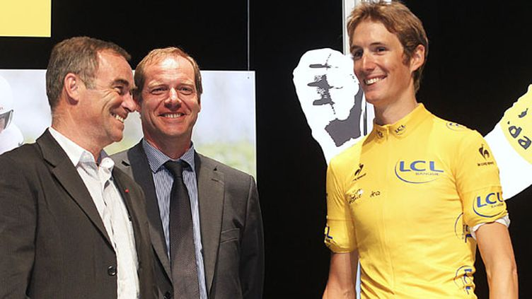 Andy Schleck aux côtés de Bernard Hinault et Christian Prudhomme