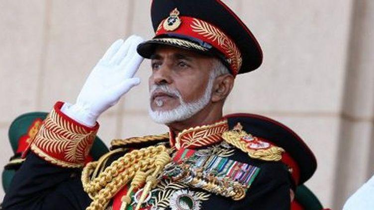 Le sultan d'Oman,Qabous Bin Saïd, lors d'un défilé militaire le 29 novembre 2010. (AFP - Mohammed Mahjoub)