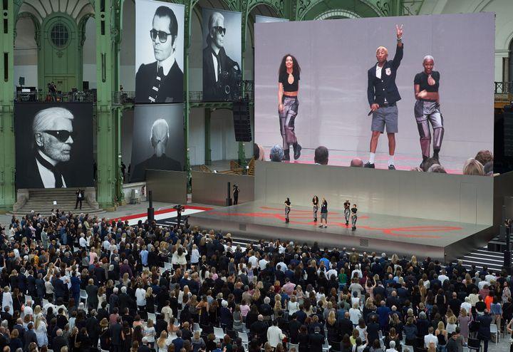Pharrell William en concert à la soirée hommage au couturier Karl Lagerfeld au Grand Palais à Paris, le 20 juin 2019 (OLIVIER.SAILLANT)