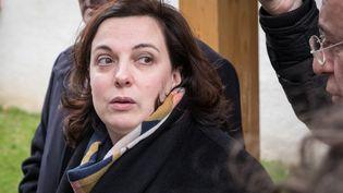 Emmanuelle Cosse, en visite de résidences à Lyon, le 6 mars 2017. L'ancienne ministre du Logement réfute avoir eu pour projet de baisser les APL, comme l'affirme le nouveau gouvernement. (CITIZENSIDE/FRANCK CHAPOLARD / CITIZENSIDE)