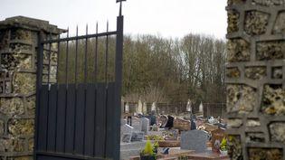 L'entrée du cimetière de Champlan (Essonne), le 4 janvier 2015. (KENZO TRIBOUILLARD / AFP)