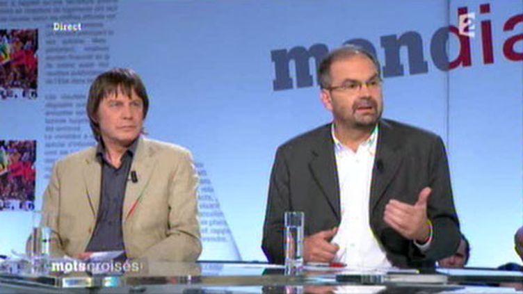 """Bernard Thibault et François Chérèque sur le plateau de l'émission """"Mots Croisés"""" sur France 2 (France 2)"""