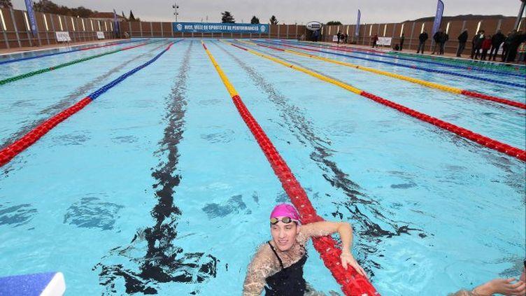 La nageuse Camille Muffat était présente lors de l'inauguration de la piscine olympique de Nice, en novembre 2013. (  MAXPPP)