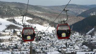 Des cabines à la station de ski de Willingen (Allemagne). (UWE ZUCCHI / DPA)