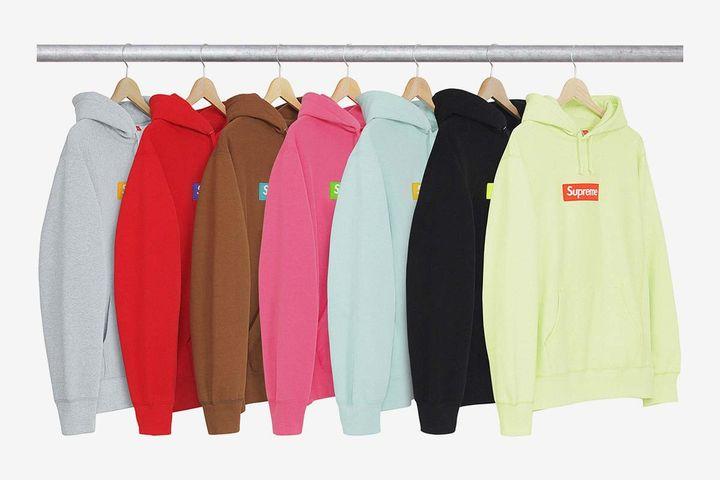 """Les """"box logo hoodies"""" de la marque Supreme de la collection automne/hiver 2017 qui seront mis en vente début décembre. (SUPREME)"""