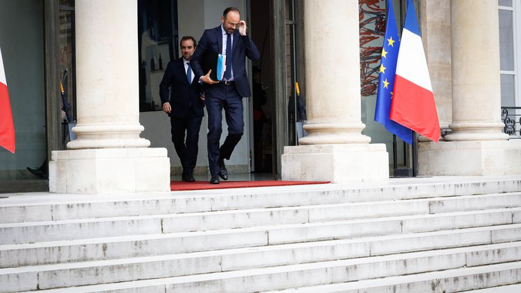 Le Premier ministre, Edouard Philippe, sort du Conseil des ministres, le 12 juin 2019 au palais de l'Elysée, à Paris. (HAMILTON / REA)