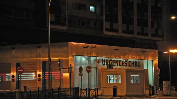Photo prise le 15 juin 2011 à l'entrée du service des urgences du CHU de Lille. (AFP/PHILIPPE HUGUEN)