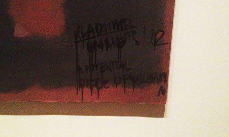 Un Artiste Deteriore Une Toile De Rothko Au Tate Museum De Londres