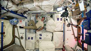 Thomas Pesquet dans la Station spatiale internationale, le 24 novembre 2016. (PESQUET/ESA/SIPA)