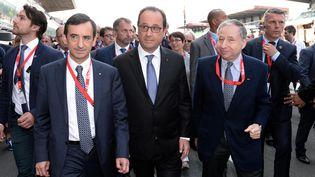 François Hollande a été hué par une partie du public des 24 Heures du Mans, samedi 13 juin, alors qu'il se trouvait sur le circuit avant le départ de la course. (  MAXPPP)