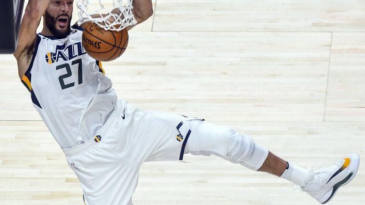 Rudy Gobert sous le maillot des Utah Jazz lors d'un match NBA contre les Dallas Mavericks le 27 janvier 2021 à Salt Lake City (Utah) (ALEX GOODLETT / GETTY IMAGES NORTH AMERICA)