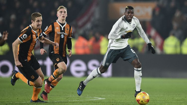 Pogba et Manchester United ont lutté face à Hull (OLI SCARFF / AFP)