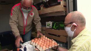 Solidarité : sur les routes de Bretagne pour distribuer des colis alimentaires (France 3)