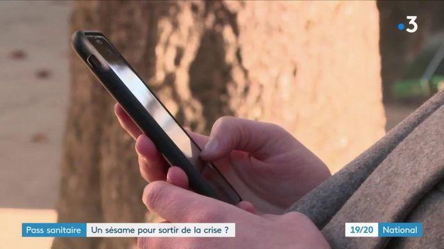Covid-19 : Emmanuel Macron évoque la possibilité d'un pass sanitaire pour accéder à certains lieux