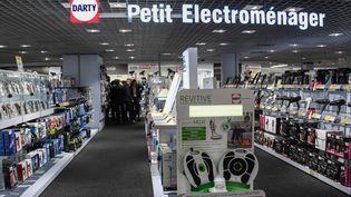 Une aile Darty dans un magasin Fnac à Lille, le 7 septembre 2017. (DENIS CHARLET / AFP)