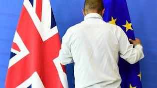 Les Européens et les Britanniques ont lancé lundi la troisième séance de négociations sur le Brexit qui doit durer jusqu'à jeudi. (EMMANUEL DUNAND / AFP)