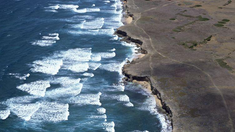 Vue aérienne d'une côte de l'île de La Barbade, le 7 septembre 2007. (ROBERT HARDING PRODUCTIONS / ROBERT HARDING HERITAGE / AFP)